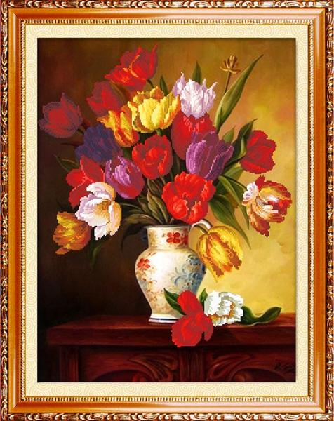 Ваза с тюльпанами вышивка 45